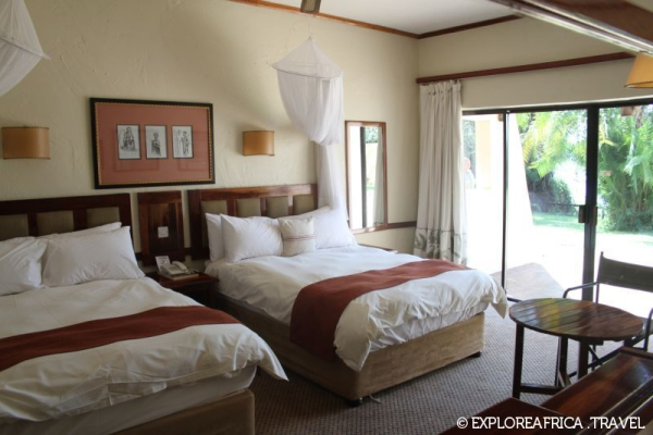 chobe_safari_lodge_river_room-800x533