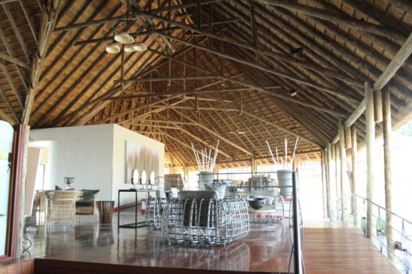 dining_area_at_chobe_bush_lodge-800x533